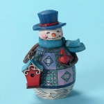 Pint Sized Snowman with Birdhouse